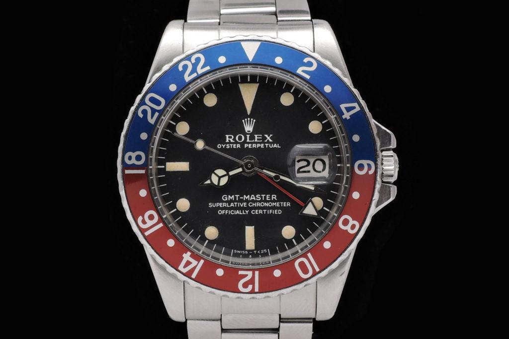 La aparición del famoso modelo GMT de Rolex es consecuencia de una  necesidad muy concreta  la de crear un reloj de pulsera con un doble huso  horario. c65d2a98cf34